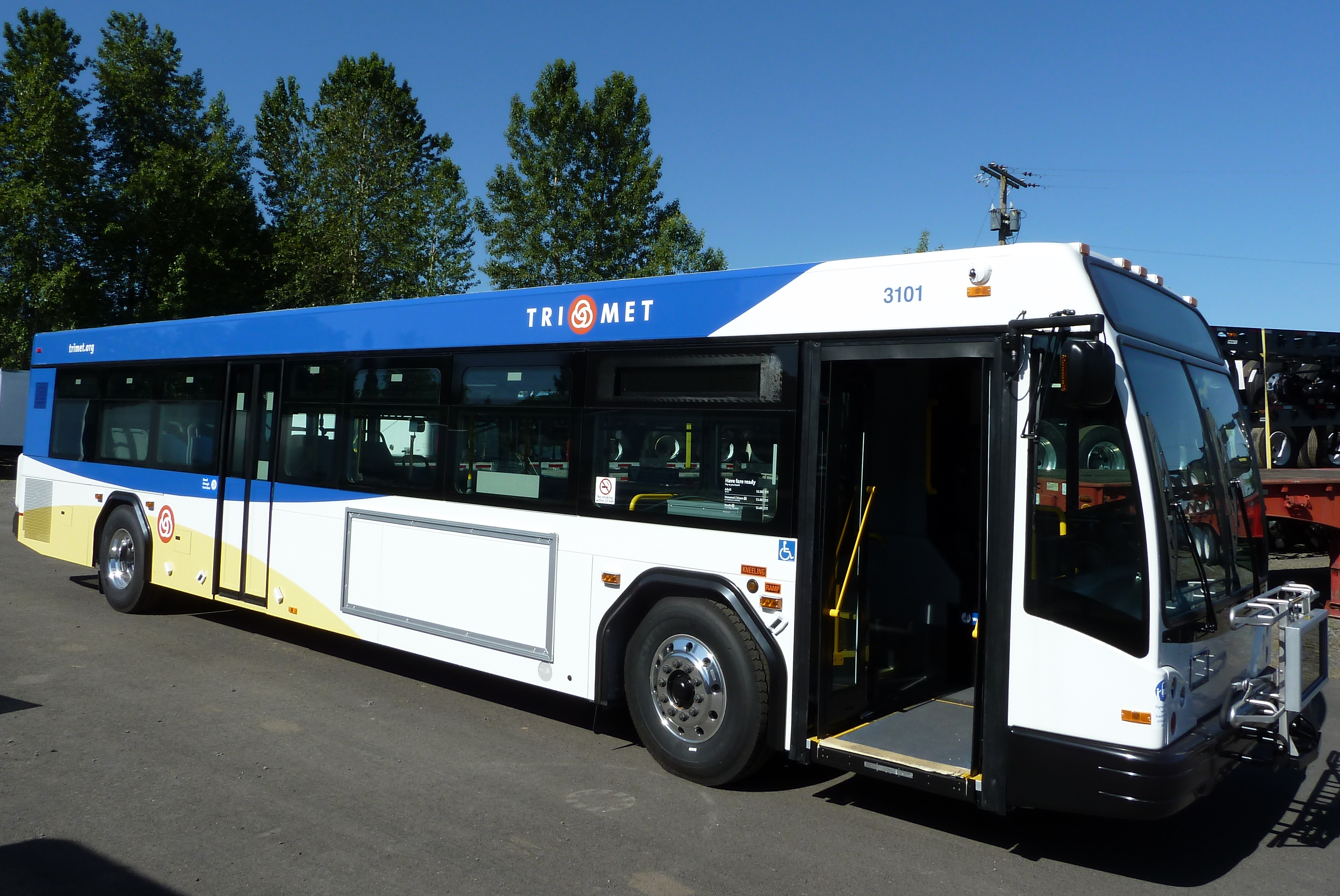 new trimet buses to begin service in less than a month | trimet news