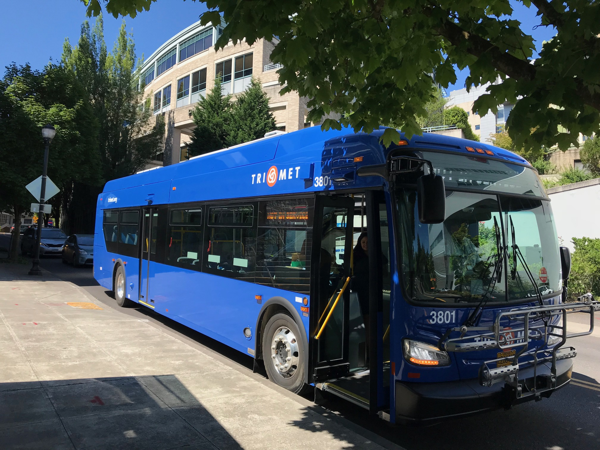 TriMet      	TriMet NewsElectric pilot bus2
